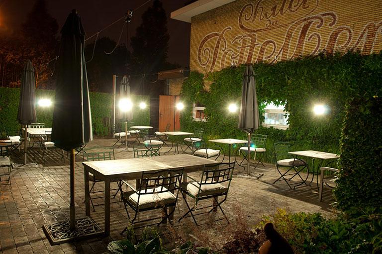 Het vliegend tapijt un restaurant atypique en belgique for Restaurant atypique