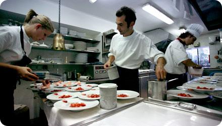 Christophe di chef du restaurant le jardin de h tel de - Hotel de mougins restaurant le jardin ...