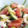 photo Salade d'avocats du Pérou, pamplemousses roses, grenades et crevettes