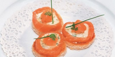 photo Canapés de saumon et crottin de Chavignol