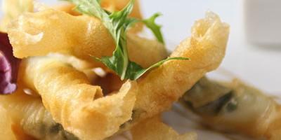 photo Croustillant de soles et langoustines au basilic, vinaigrette Mangue