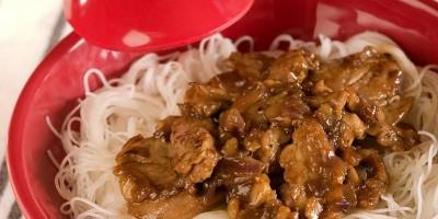 photo Porc au caramel et aux vermicelles de soja