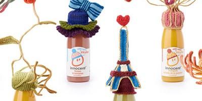 photo Sophie Dalla Rosa tricote pour l'opération « Mets ton bonnet »