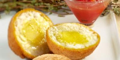 photo Risotto en boule fritte, cœur d'ail et confiture de tomates