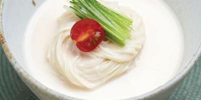 photo Konggugsu, nouilles froides au velouté de soja