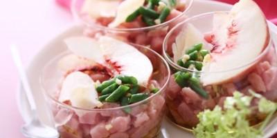photo Tartare de veau, amandes fraîches, jus de pêche blanche