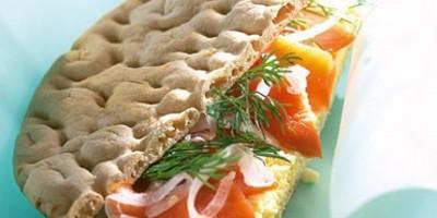photo Sandwich de Saumon de Norvège fumé sur mimosa
