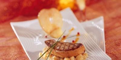 photo Foie Gras de Canard Poêlé aux pommes, jus d'agrumes au porto Blanc