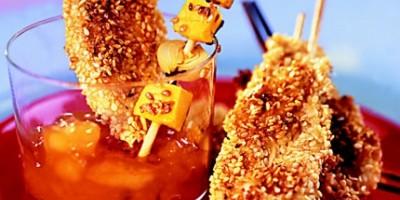 photo Brochettes de lapin au sésame et dés de mangue