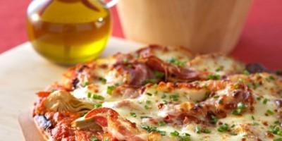 photo Pizza à la pancetta et légumes confits à la mozzarella