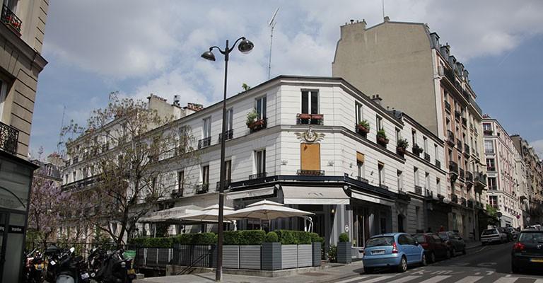 Le chamarr montmartre un restaurant haut en couleurs for Le miroir restaurant montmartre